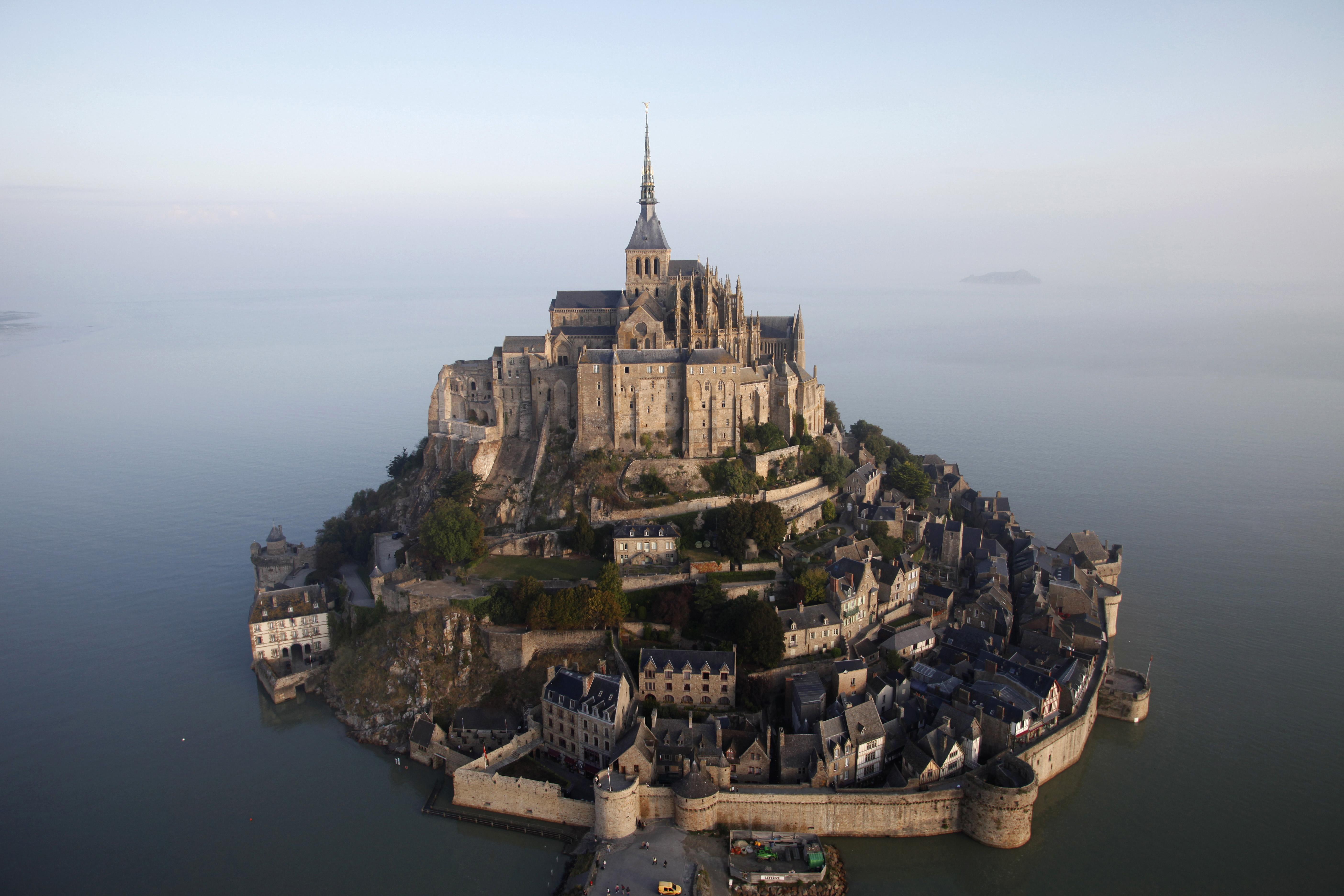 mont saint michel in france supported by erdf training and specific support on site and online. Black Bedroom Furniture Sets. Home Design Ideas